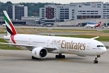A6-ECL - Emirates Airlines Boeing 777-300ER