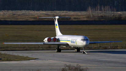 UR-86527 - Ukraine - Government Ilyushin Il-62 (all models)
