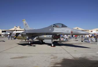 90-0747 - USA - Air Force General Dynamics F-16CG Night Falcon
