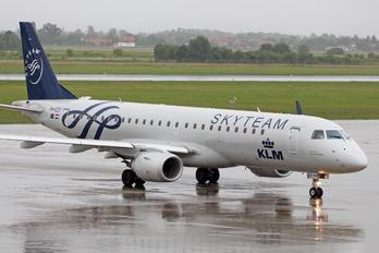 PH-EZX - KLM Cityhopper Embraer ERJ-190 (190-100)