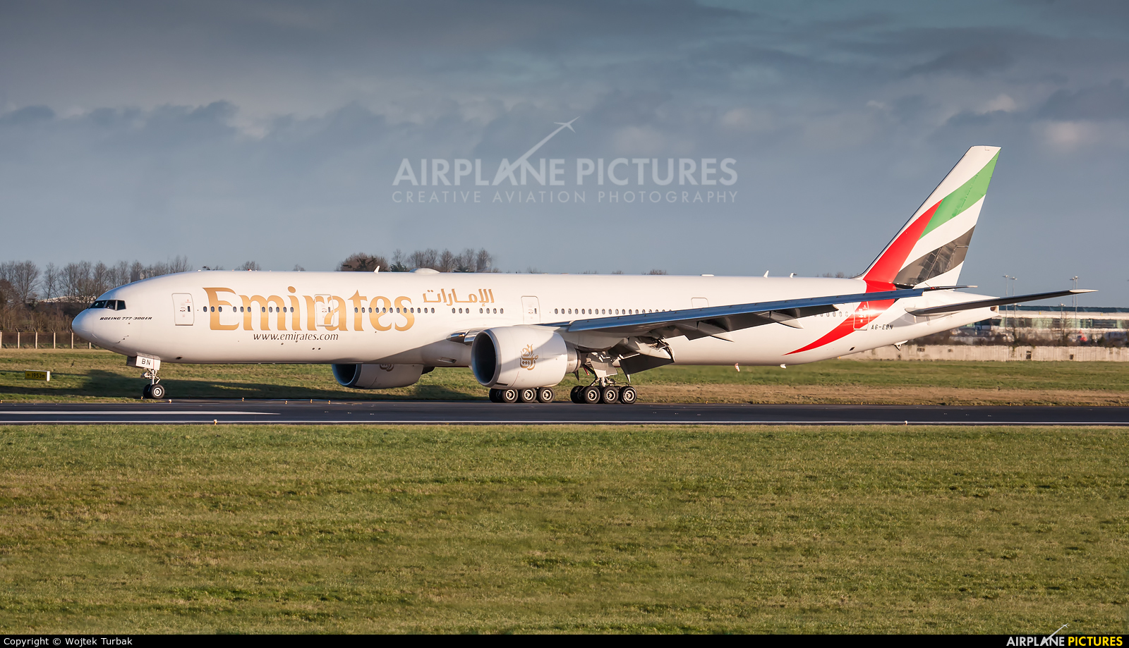 Emirates Airlines A6-EBN aircraft at Dublin