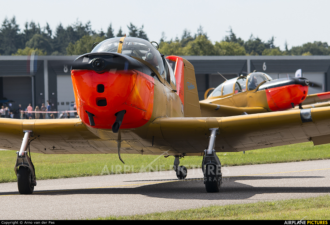 Private PH-AFS aircraft at Hoeven - Seppe