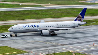 N799UA - United Airlines Boeing 777-200ER