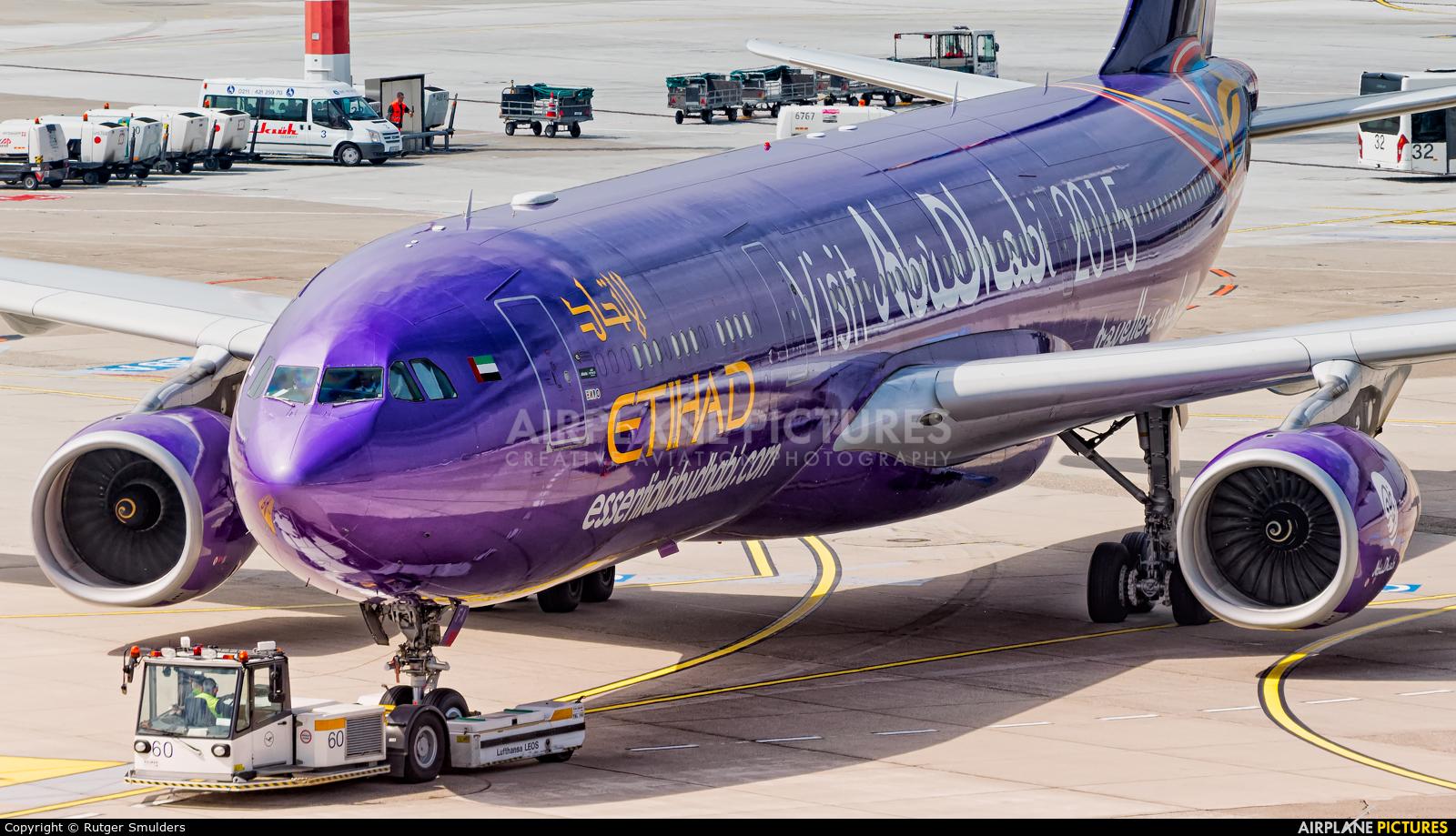Etihad Airways A6-AFA aircraft at Düsseldorf