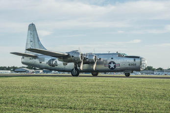 N2871G - 4Y-2 Consolidated PB4Y Privateer
