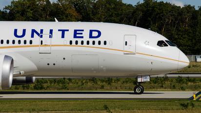 N27901 - United Airlines Boeing 787-8 Dreamliner