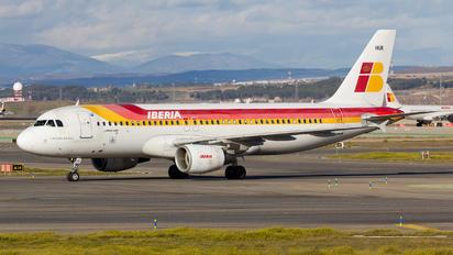 EC-HUK - Iberia Airbus A320