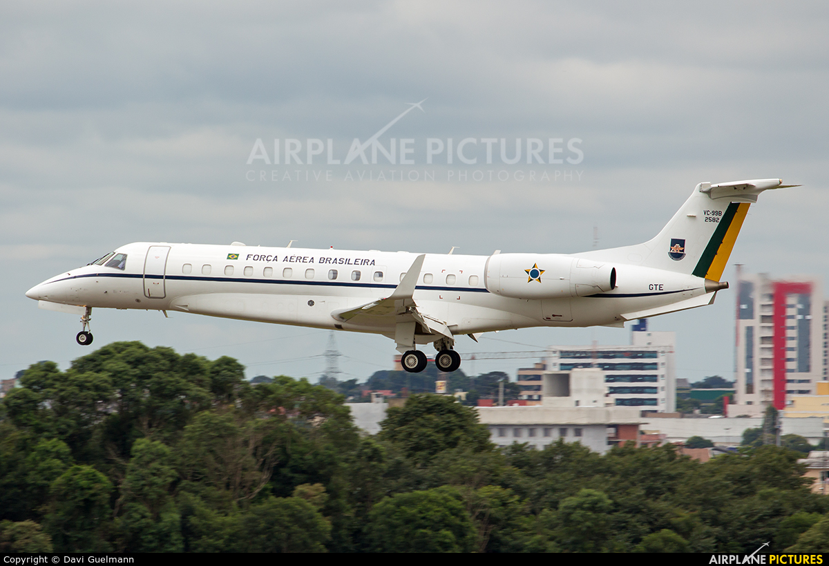 Brazil - Air Force 2582 aircraft at Curitiba - Afonso Pena