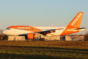 G-EZFB - easyJet Airbus A319