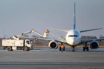 EI-EKB - Ryanair Boeing 737-800