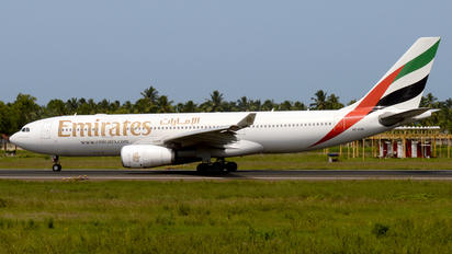 A6-EAK - Emirates Airlines Airbus A330-200