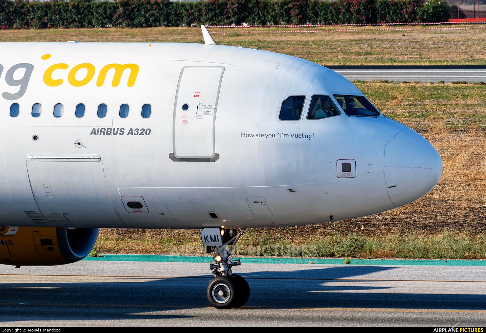 Vueling Airlines EC-KMI aircraft at Málaga