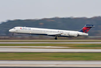 N954DN - Delta Air Lines McDonnell Douglas MD-90