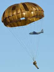 - - Japan - Ground Self Defense Force Parachute Military