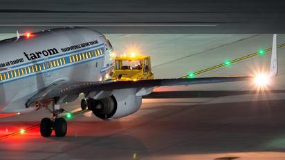 YR-BGG - Tarom Boeing 737-700