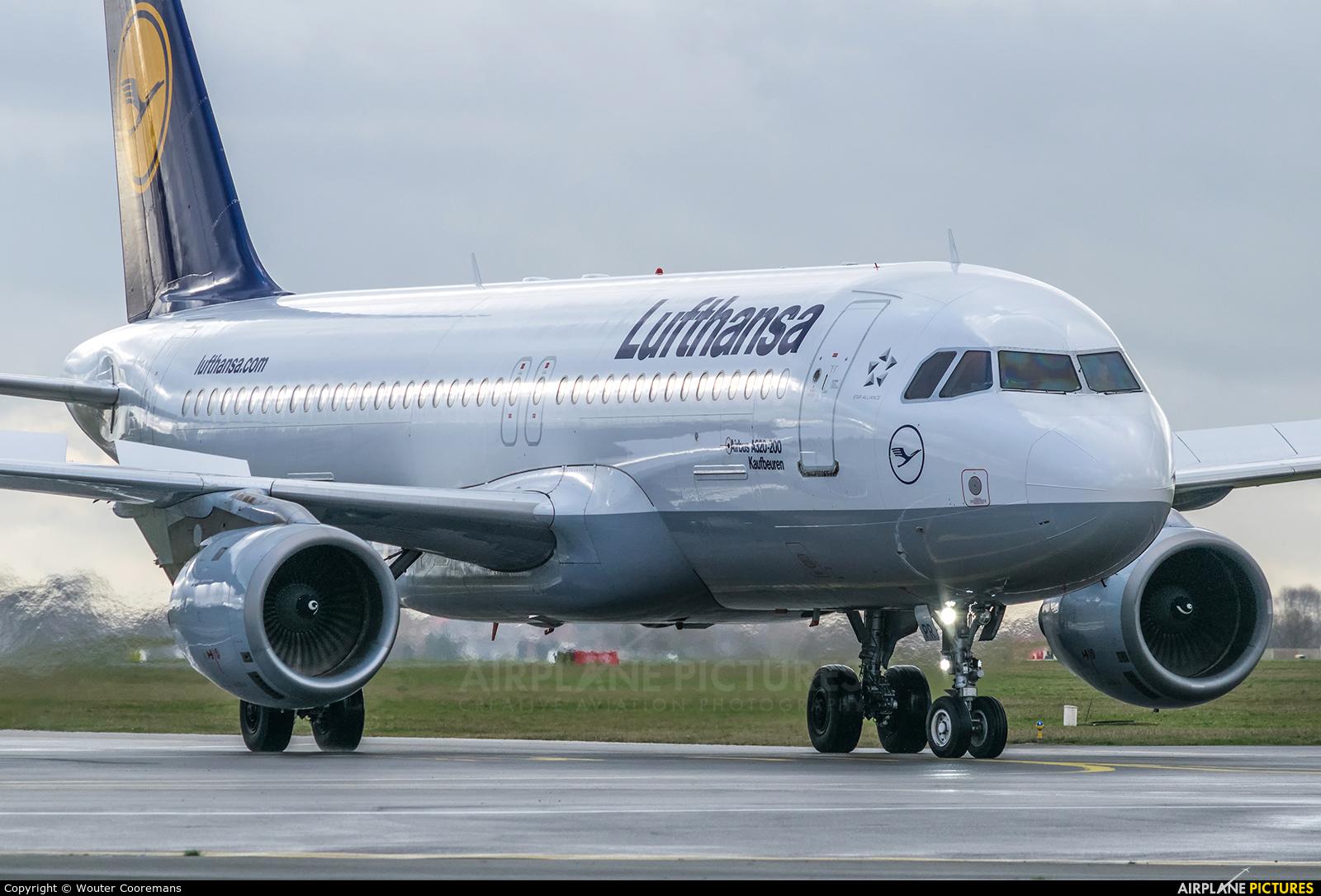 Lufthansa D-AIPR aircraft at Brussels - Zaventem