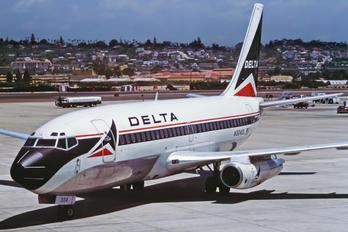 N304DL - Delta Air Lines Boeing 737-200