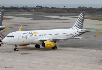 EC-MJC - Vueling Airlines Airbus A320
