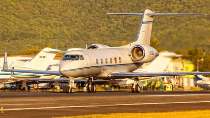 N711GL - Private Gulfstream Aerospace G-IV,  G-IV-SP, G-IV-X, G300, G350, G400, G450