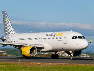EC-LSA - Vueling Airlines Airbus A320