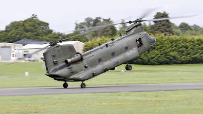 ZA681 - Royal Air Force Boeing Chinook HC.2