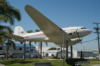 N252SM - Private Douglas DC-3