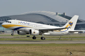 XY-AGV - Myanmar Airways International Airbus A319