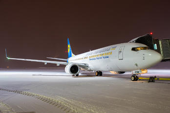 UR-PSM - Ukraine International Airlines Boeing 737-800