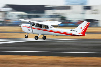 JA02AL - Asahi Airlines Cessna 172 Skyhawk (all models except RG)