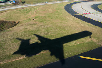 N921DN - Delta Air Lines McDonnell Douglas MD-90