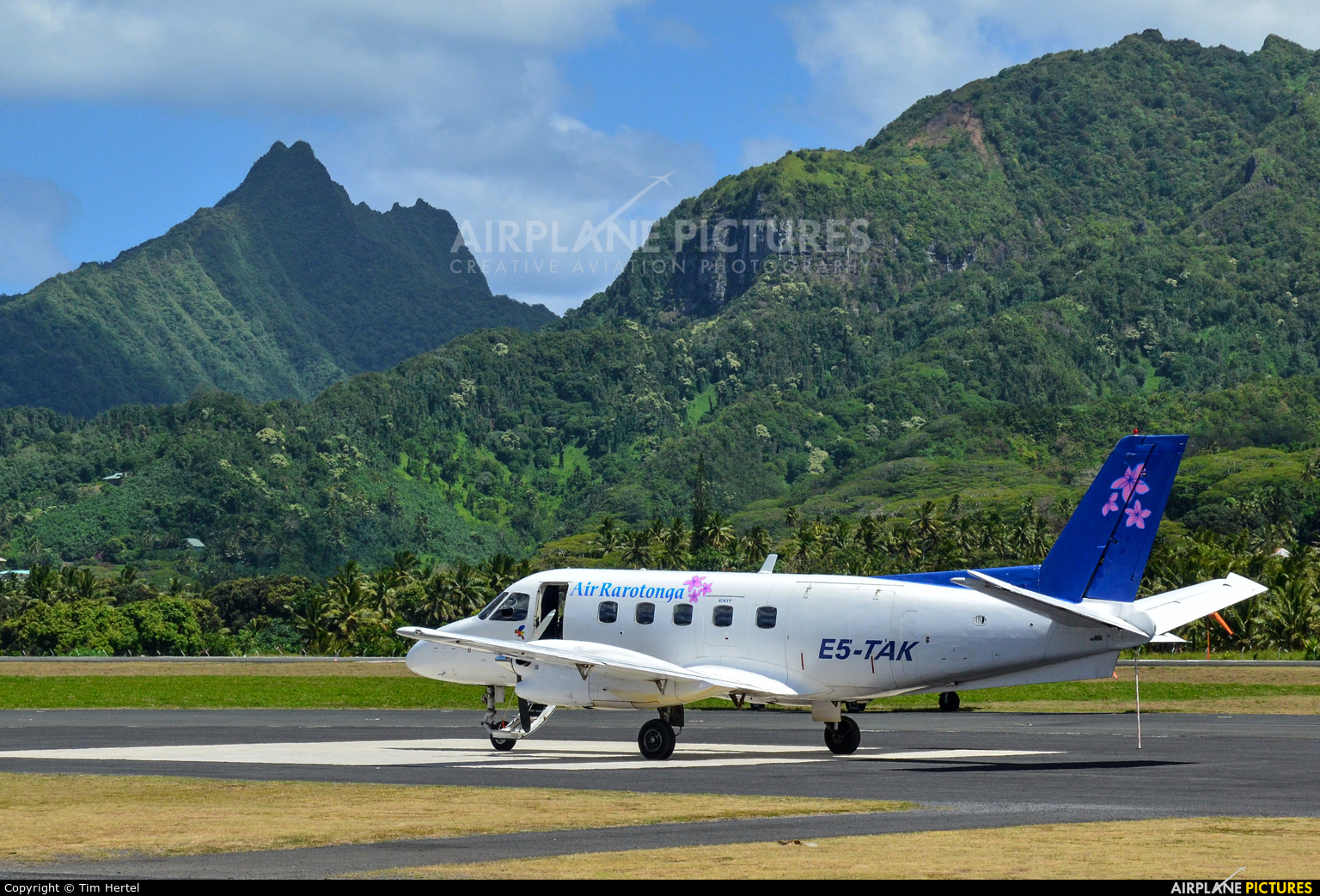 Air Rarotonga E5-TAK aircraft at Rarotonga International