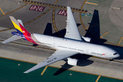 HL7755 - Asiana Airlines Boeing 777-200ER aircraft