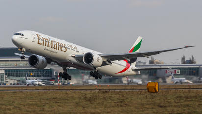 A6-EGP - Emirates Airlines Boeing 777-300ER