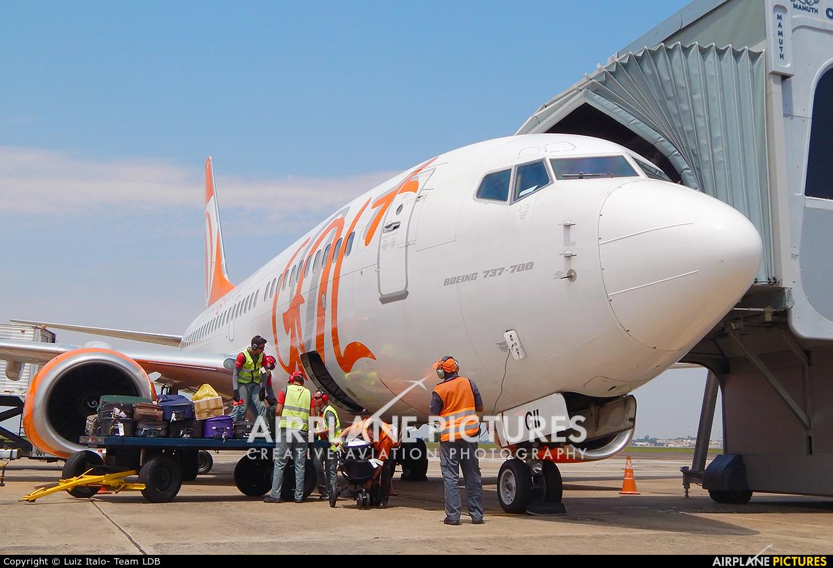 GOL Transportes Aéreos  PR-GII aircraft at Londrina – Gov. José Richa