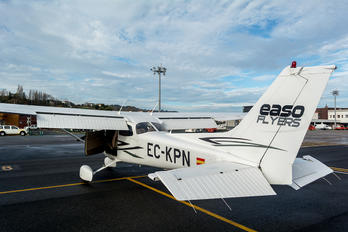 EC-KPN - Private Cessna 172 Skyhawk (all models except RG)