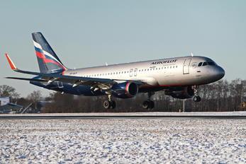 VP-BLP - Aeroflot Airbus A320