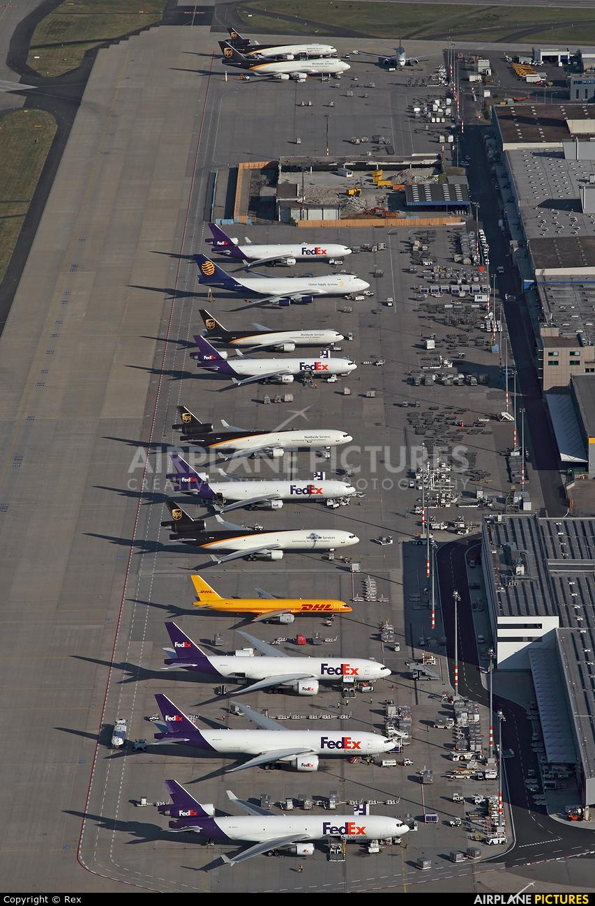 - Airport Overview - aircraft at Cologne Bonn - Konrad Adenauer