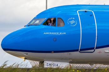 PH-KZM - KLM Cityhopper Fokker 70