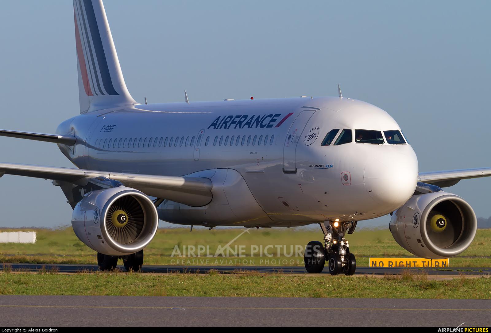 Air France F-GRHF aircraft at Paris - Charles de Gaulle