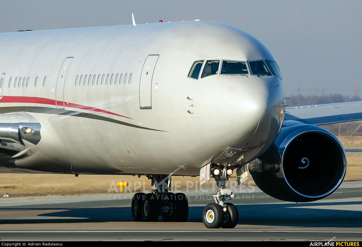 Omni Air International N423AX aircraft at Bucharest - Henri Coandă