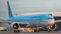 HL8218 - Korean Air Boeing 777-300ER aircraft