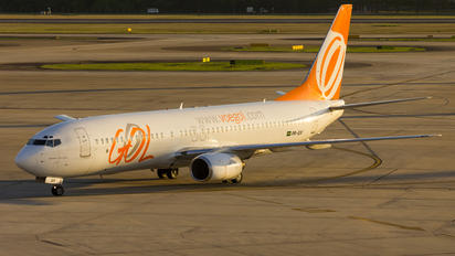 PR-GIV - GOL Transportes Aéreos  Boeing 737-800