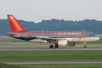 N302NB - Northwest Airlines Airbus A319