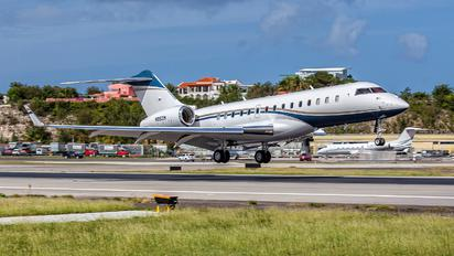 N99ZM - Private Bombardier BD-700 Global 6000