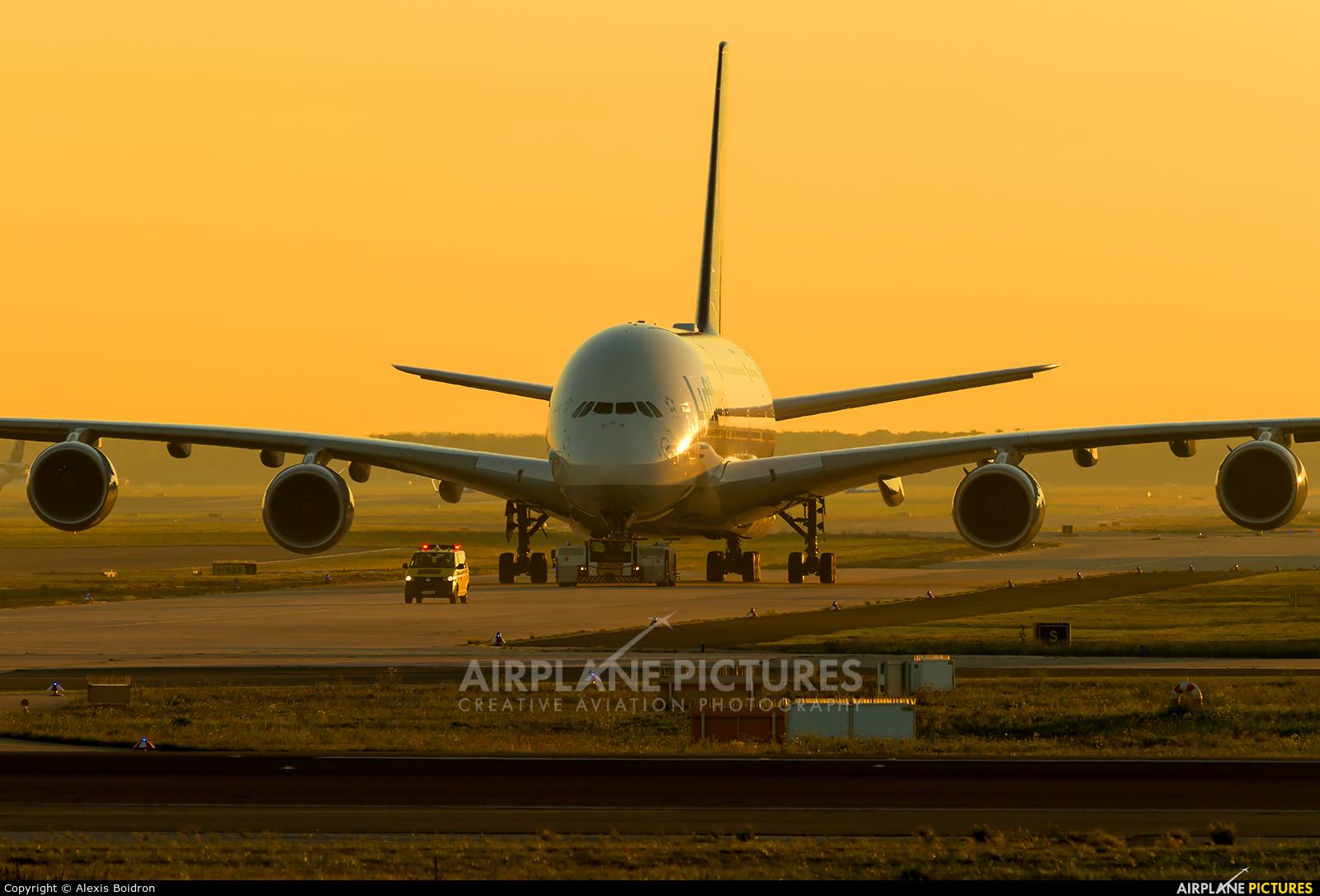 Lufthansa D-AIMB aircraft at Frankfurt