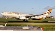 A6-EYF - Etihad Airways Airbus A330-200 aircraft
