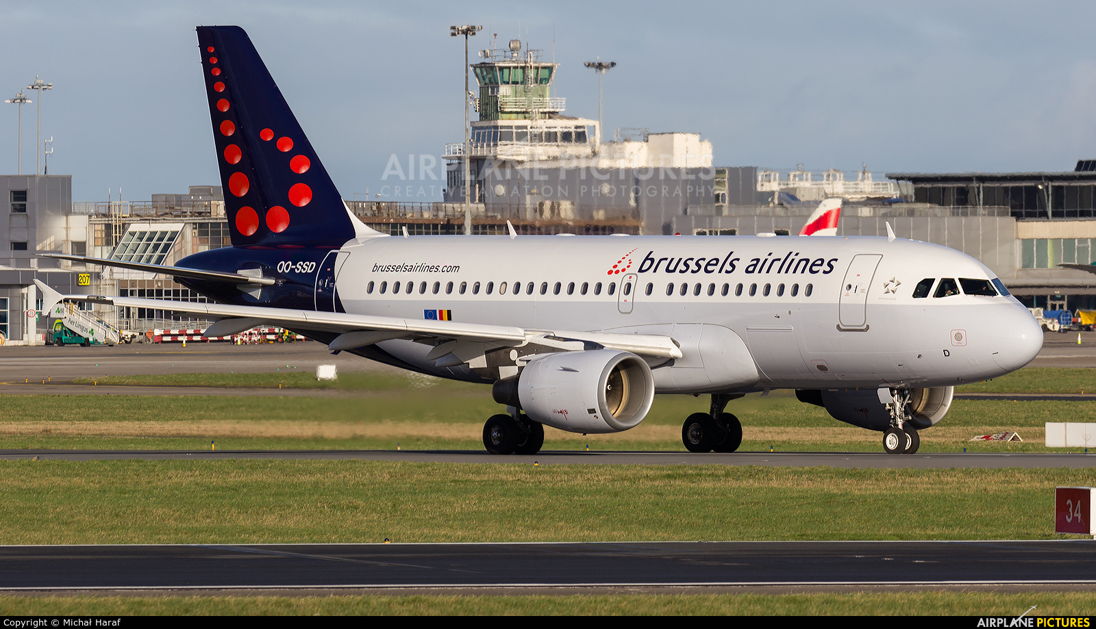 Brussels Airlines OO-SSD aircraft at Dublin