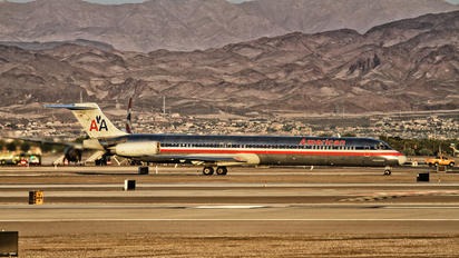 N486AA - American Airlines McDonnell Douglas MD-82