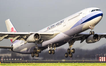 B-18805 - China Airlines Airbus A340-300