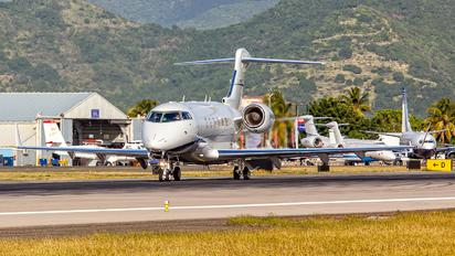 N945AC - Private Bombardier BD-100 Challenger 300 series